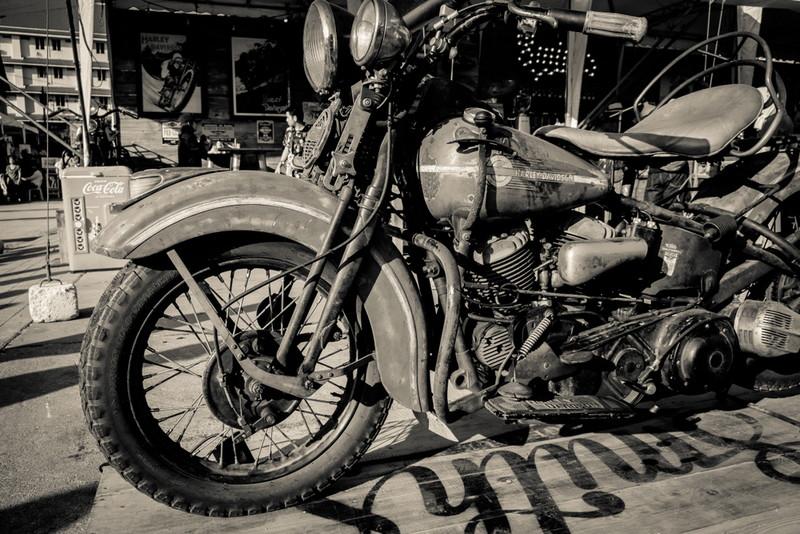 ハーレー歴史はエンジンの歴史