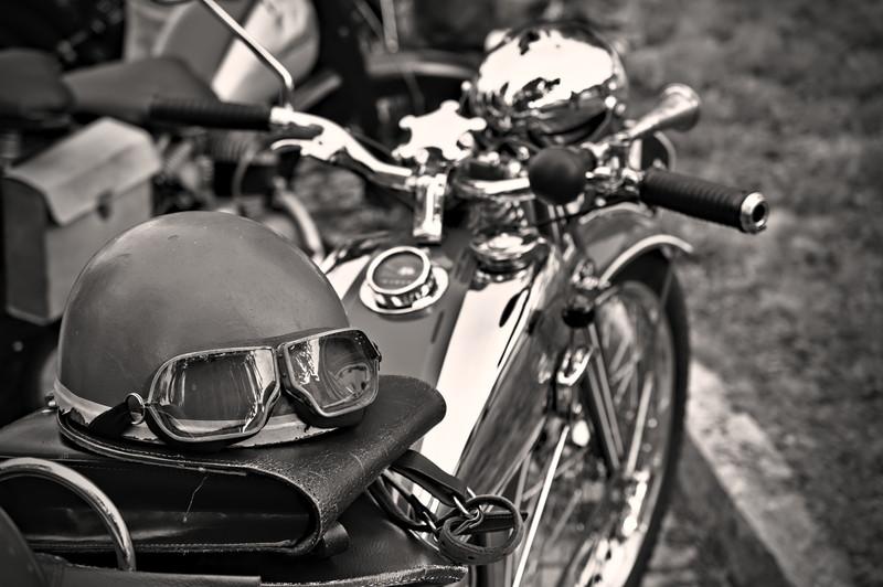 モノクロバイク